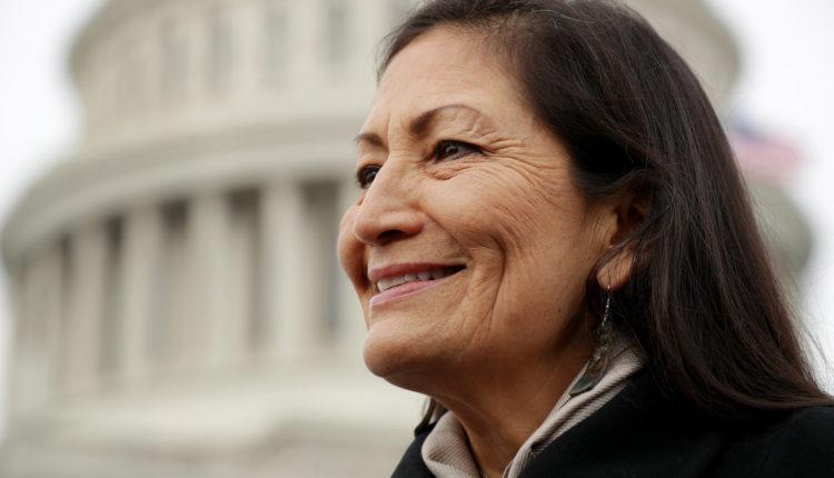 Az Egyesült Államoknak őslakos, indián származású belügyminisztere lesz – Index