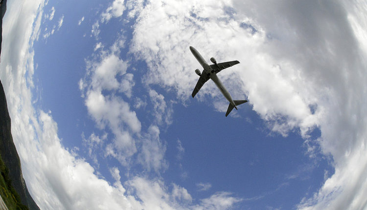 A tengerbe zuhanhatott az indonéz repülőgép – Napi