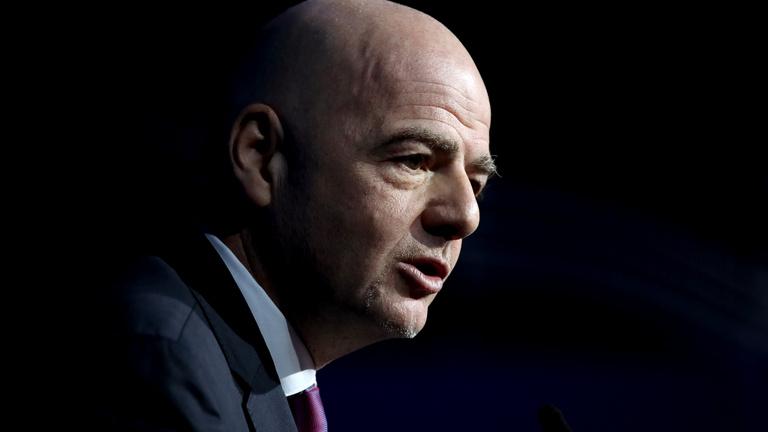 Büntetőeljárás indult a FIFA elnöke ellen