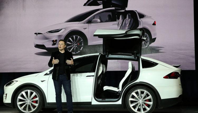 Átlépte a 800 milliárd dollárt a Tesla piaci tőkeértéke – Index