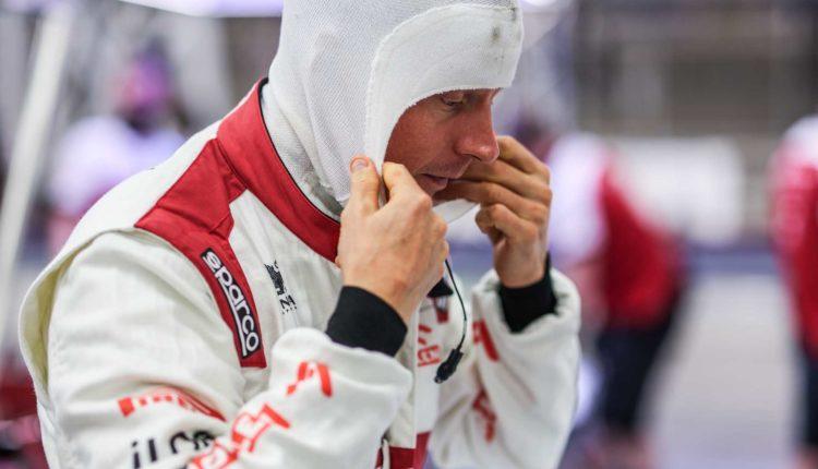 Csókolózós képpel köszöntötte az újévet Räikkönen – F1világ