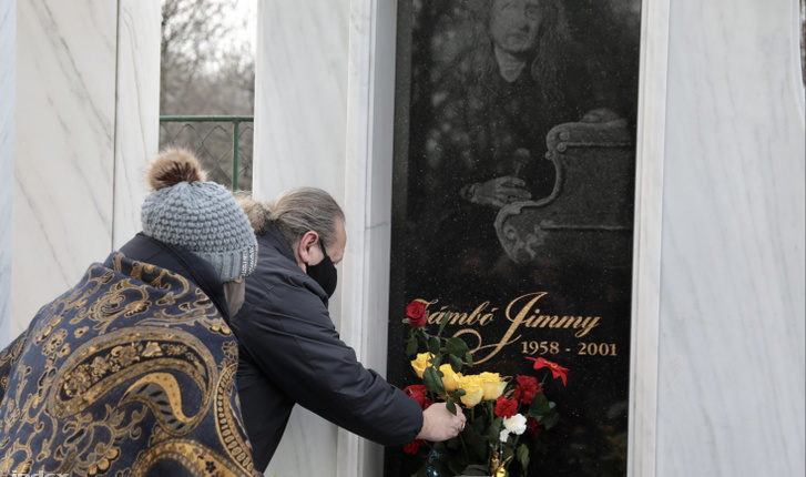 Húsz éve sírnak Zámbó Jimmy sírjánál január másodikán – Index