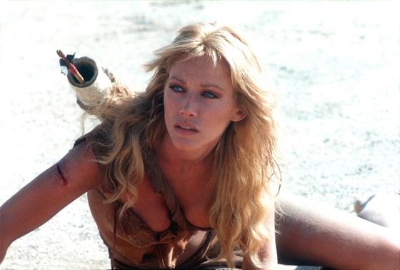 Mégsem halt meg a Bond-lányként ismert Tanya Roberts, az intenzíven kezelik – hvg