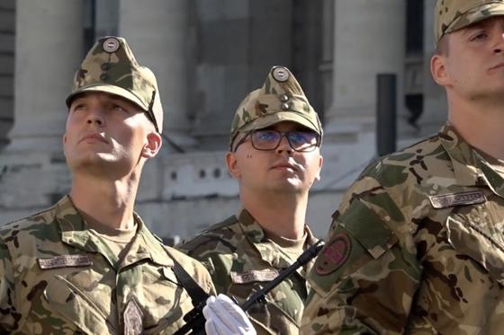Orbán Gáspár a Honvédelmi Minisztérium ösztöndíjasaként tanulhatott egy brit elitiskolában – hvg