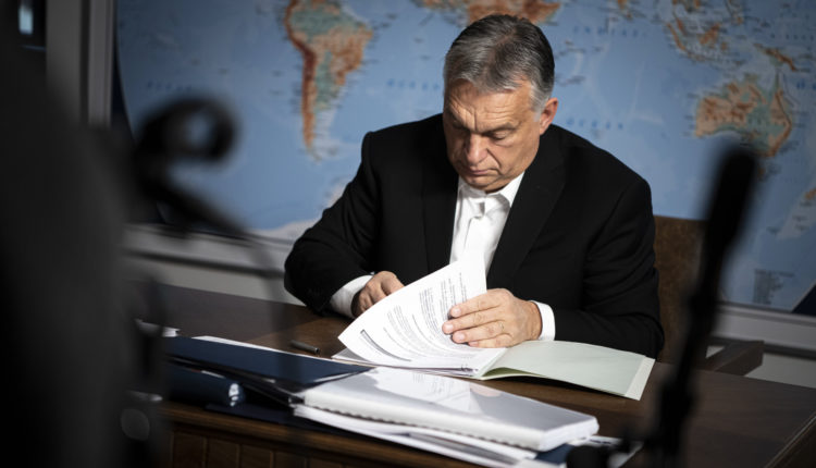 Orbán Viktor bejelentette: marad a kijárási korlátozás – Portfolio