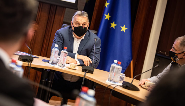 Orbán Viktor elárulta, milyen vakcinával oltatja be magát – Portfolio