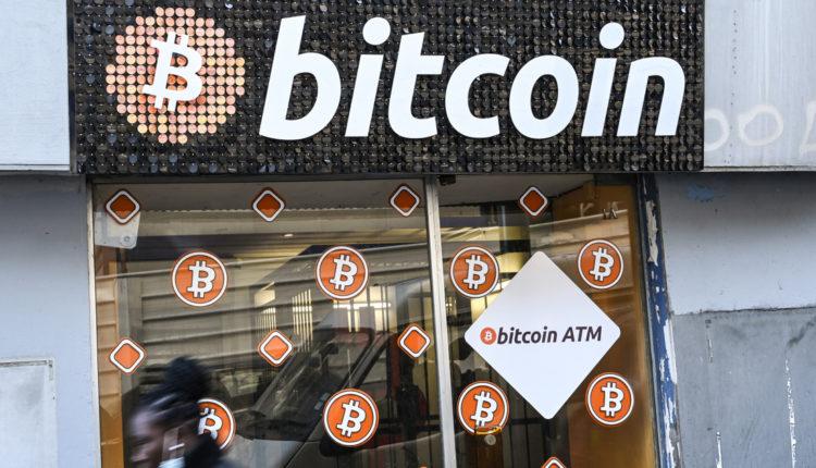 Összevissza rángatják a bitcoin árfolyamát – Index