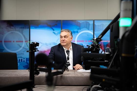 Orbán Viktor: Március 15-ére minden 60 év feletti regisztrált magyart be fogunk oltani – hvg