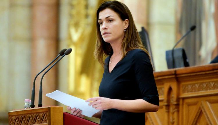 Véget ér a miniszter házassága? – reagált Varga Judit – Index