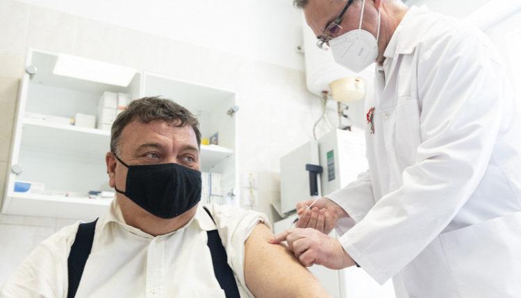 9444 új koronavírus-fertőzöttet azonosítottak Magyarországon – Origo
