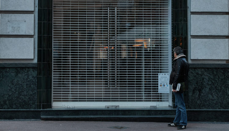 Az élelmiszerbolton és a patikán kívül mindent bezárna az orvosi kamara – Index