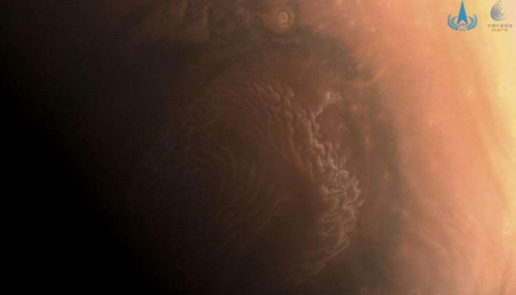 Egyre közelebb a vörös bolygó, lélegzetelállító képek érkeztek – Metropol