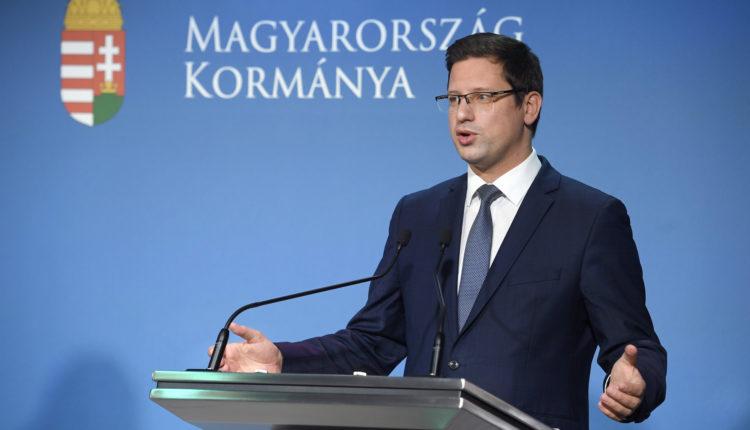 Gulyás Gergely: a második félévben már csak indokolt esetben rendel pluszban vakcinát Magyarország – Portfolio