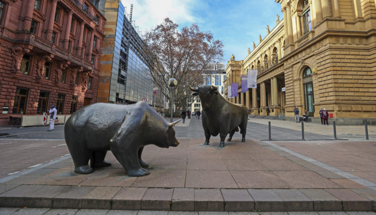 Új csúcson a Dow, de a tech-részvények esnek – Portfolio