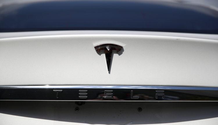 Halálos balesetet okozott egy Tesla, senki nem ült a vezetőülésben – Portfolio