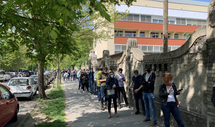 Hatalmas tömeg rohanta meg a kórházakat Orbán Viktor bejelentése után – Index