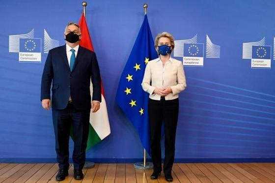 Jogállamiságról is tárgyalt Orbán és Von der Leyen – hvg