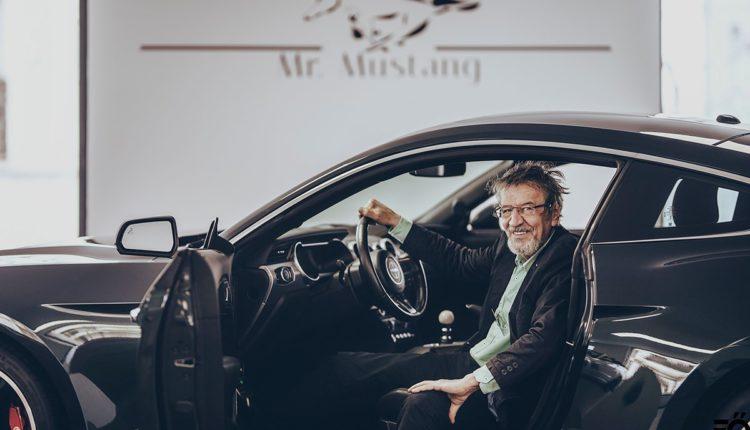 Mucsi Zoltán tolja a bullshit dumát egy Mustang BULLITT bemutatóján – Racingline