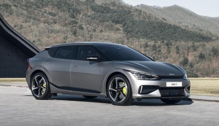 Nézze meg, ahogy egy Kia legyorsul egy Ferrarit, Porschét, és Lamborghinit! – Origo
