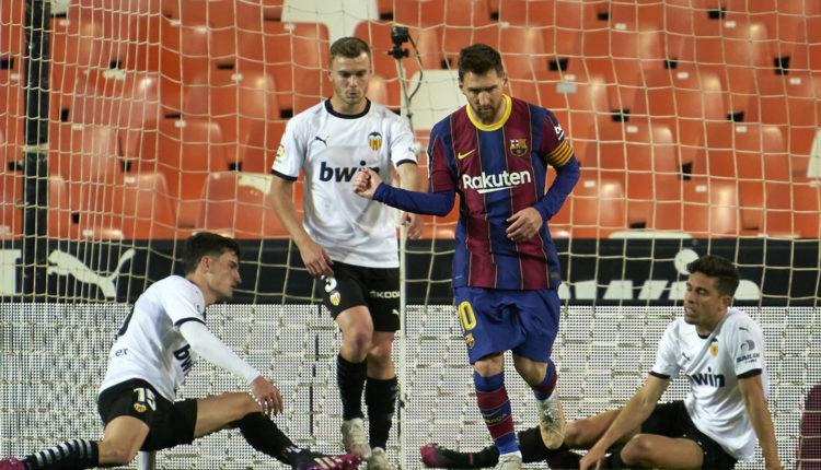 Messi a büntetőt kihagyta, a szabadrúgást belőtte – Index
