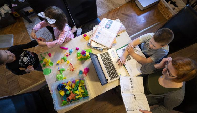 Otthoni munka, oktatás, sport: így változik az életünk hétfőtől – Index