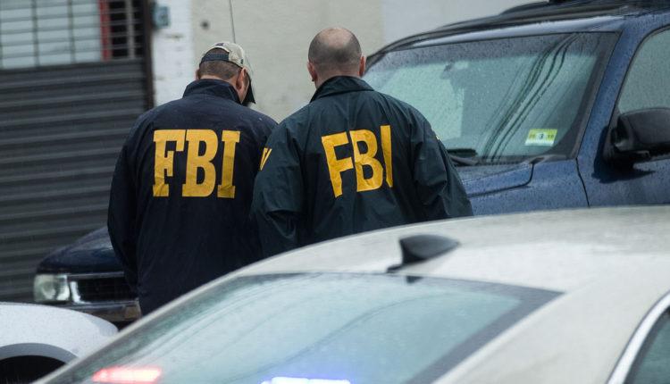 Az FBI saját üzenetküldője csalta lépre az alvilág díszpintyeit – Index