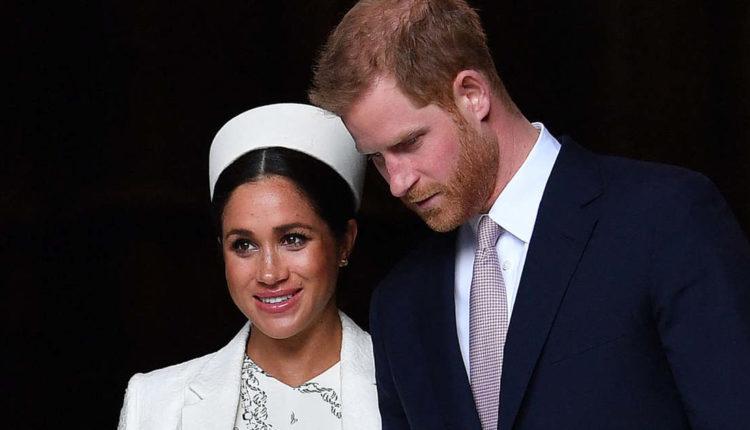 El van ragadtatva legújabb dédunokájától az angol királynő – Világgazdaság