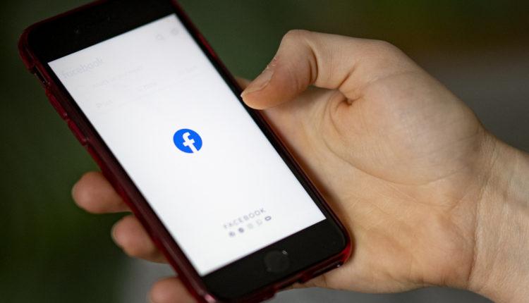 Javításra küldte egy nő az iPhone-ját, feltöltötték Facebookra a rajta tárolt szexvideót – Index
