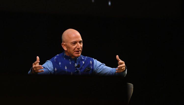 Jeff Bezos júliusban kiruccan az űrbe – 444