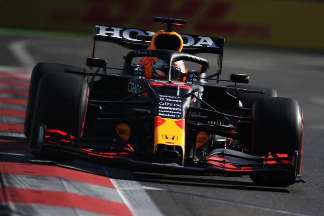 Verstappen a Mercedes rossz formája ellenére sem mehet biztosra Bakuban – Origo