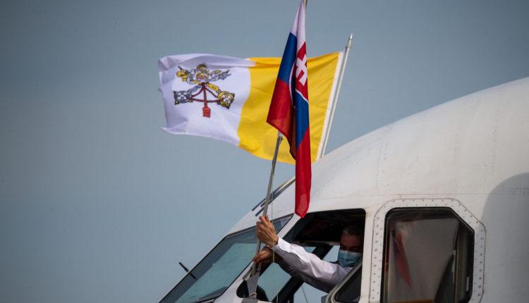 Ferenc pápa befejezte szlovákiai látogatását – Index
