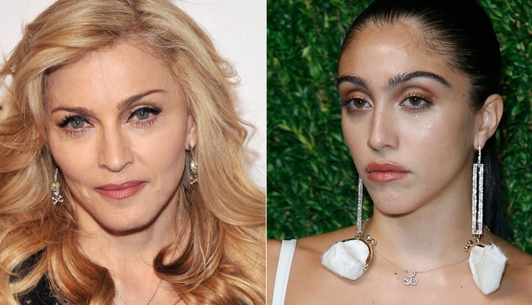 Madonna lánya ultradögös fehérneműben mutatta meg karcsú alakját: ő volt a divatbemutató egyik sztárja – Femina