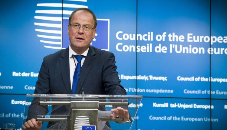 Navracsics Tibor: Sokba kerülhet a következő egy év az uniónak – Index