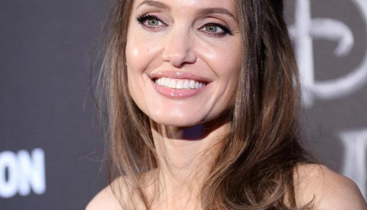 Nem fogja elhinni, kivel randizik Angelina Jolie – Origo