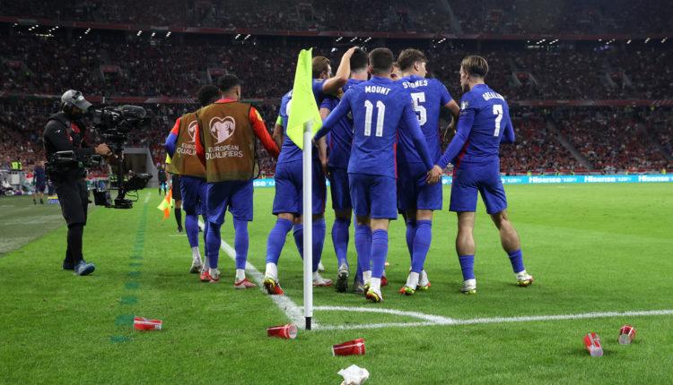 Rendőrségi feljelentés, FIFA-vizsgálat a magyar szurkolók miatt – reagált az MLSZ – Index