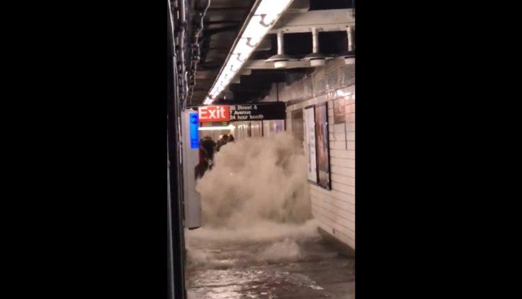 Videón, ahogy a new yorki metrót elönti a víz – 444