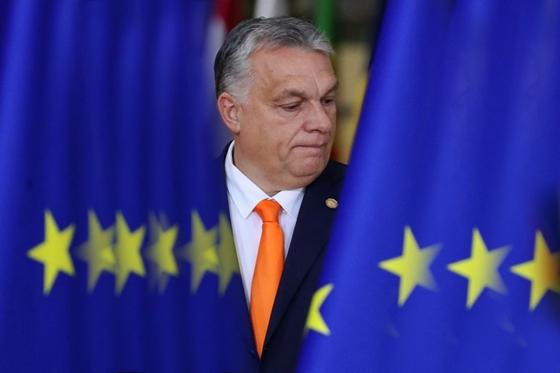 Orbán Viktor beszélt arról, miért vett fel az ország 4,5 milliárd euró hitelt – hvg